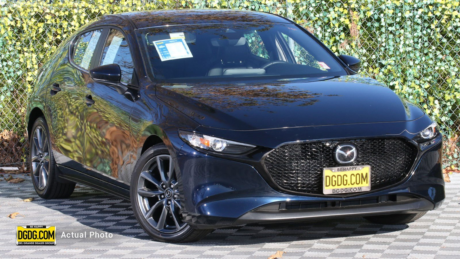 Pre-Owned 2019 Mazda3 Hatchback Base