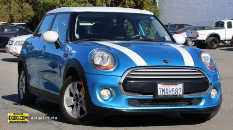 Pre-Owned 2015 MINI Cooper Hardtop 4 Door Base